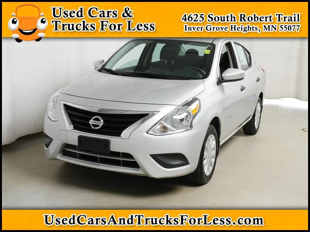 Inver Grove Nissan >> Pre Owned 2018 Nissan Versa Fwd Sedan